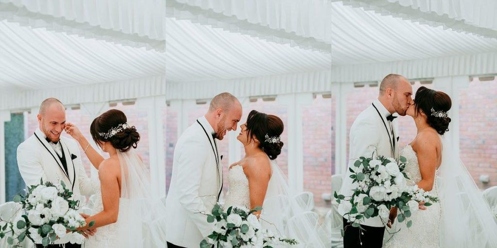 best Wedding photographers in Michigan   Detroit Zoo Wedding   www.CapturedCouture.com   Captured Couture, LLC